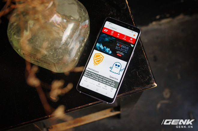 Mở hộp Galaxy A8 (2018) chính hãng giá 10,99 triệu đồng: màu Tím Bạc cực đẹp! - Ảnh 5.