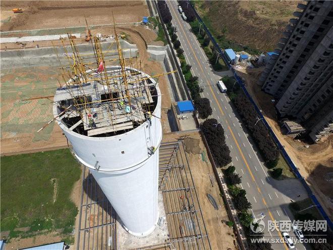 Trung Quốc xây tháp lọc khí ô nhiễm lớn nhất thế giới tại Tây An - Ảnh 3.