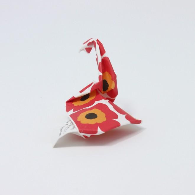Anh bồi bàn Nhật Bản mở triển lãm Origami nhờ thu nhặt 13.000 vỏ đũa dùng một lần - Ảnh 8.