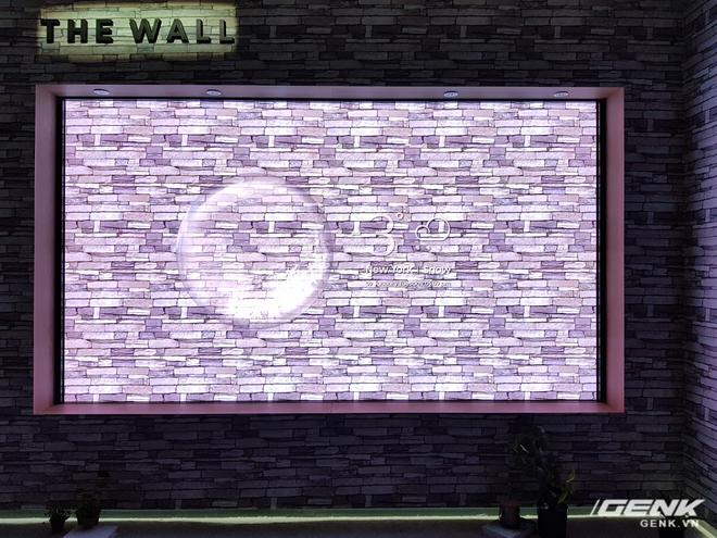 Samsung cho biết họ đã sử dụng thiết kế kết cấu module cho The Wall, giúp người dùng có thể tùy chỉnh kích thước của chiếc TV này (tăng lên hoặc giảm đi so với mức 146 inch mặc định). Điều này sẽ giúp người dùng thoải mái sáng tạo sao cho phù hợp với thẩm mỹ cũng như không gian sống của mình nhất.