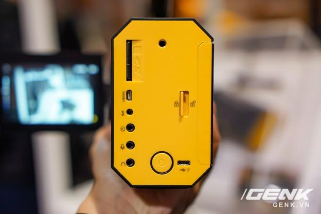 [CES 2018] Sờ tận tay máy quay phim Kodak Super 8: khi nét hoài cổ kết hợp công nghệ số - Ảnh 9.