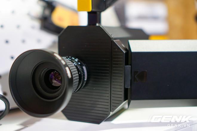 [CES 2018] Sờ tận tay máy quay phim Kodak Super 8: khi nét hoài cổ kết hợp công nghệ số - Ảnh 2.