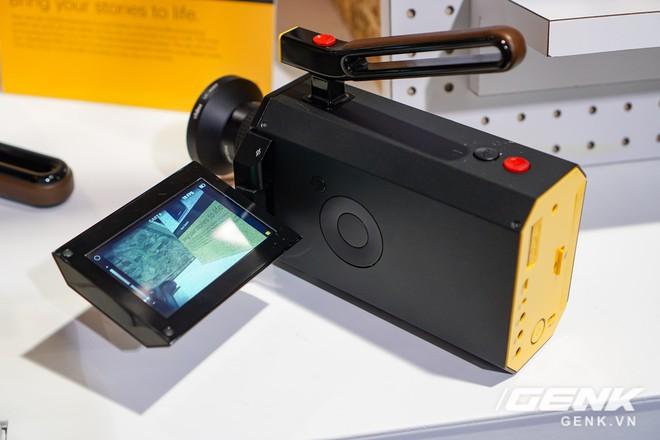 [CES 2018] Sờ tận tay máy quay phim Kodak Super 8: khi nét hoài cổ kết hợp công nghệ số - Ảnh 3.