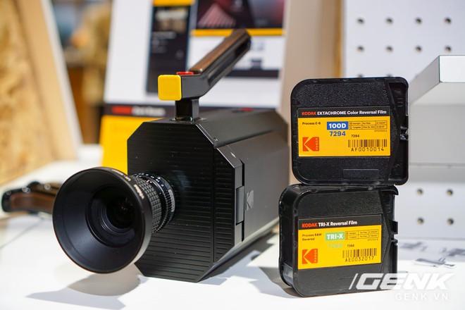 [CES 2018] Sờ tận tay máy quay phim Kodak Super 8: khi nét hoài cổ kết hợp công nghệ số - Ảnh 5.