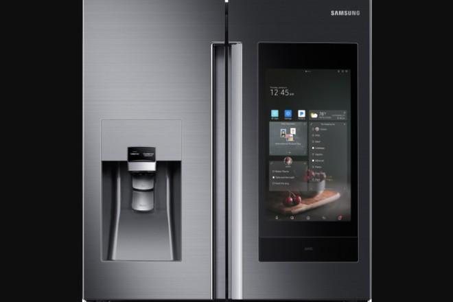 [CES 2018] Samsung giới thiệu mẫu tủ lạnh thông minh tích hợp loa AKG và trợ lý ảo Bixby - Ảnh 1.