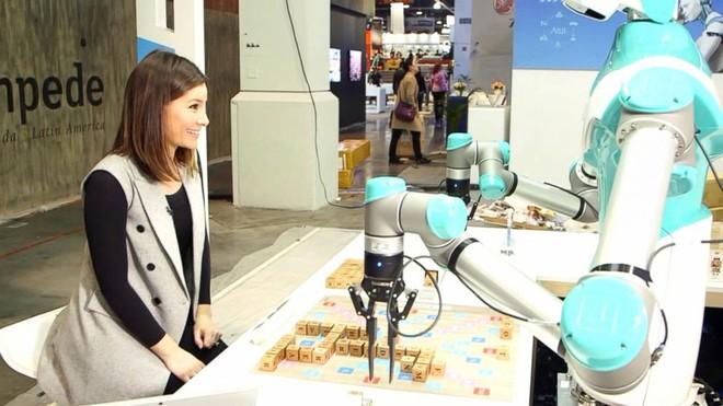 [CES 2018] Robot này có khả năng chơi xếp chữ cực giỏi, chiến thắng cả con người - Ảnh 2.