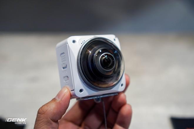 Ngỡ ngàng trước gian hàng thập cẩm của hãng công nghệ Kodak tại CES 2018 - Ảnh 5.
