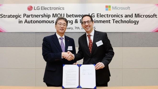 Microsoft và LG ký ghi nhớ cùng phát triển công nghệ ô tô - Ảnh 1.