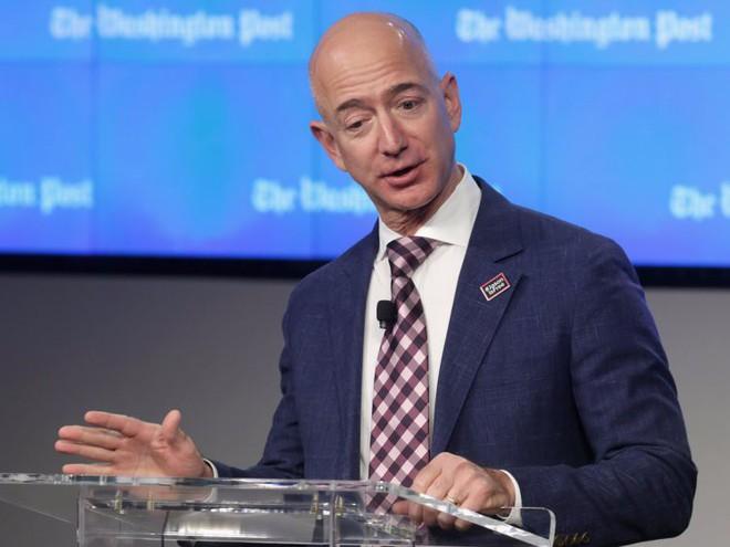 Đằng sau cuộc tình rửa bát cho vợ 25 năm vẫn ly hôn của tỷ phú giàu nhất thế giới Jeff Bezos - Ảnh 4.