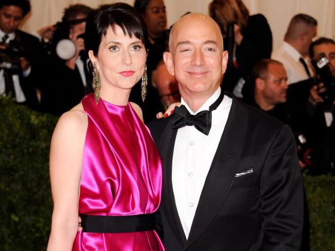 Đằng sau cuộc tình rửa bát cho vợ 25 năm vẫn ly hôn của tỷ phú giàu nhất thế giới Jeff Bezos - Ảnh 8.