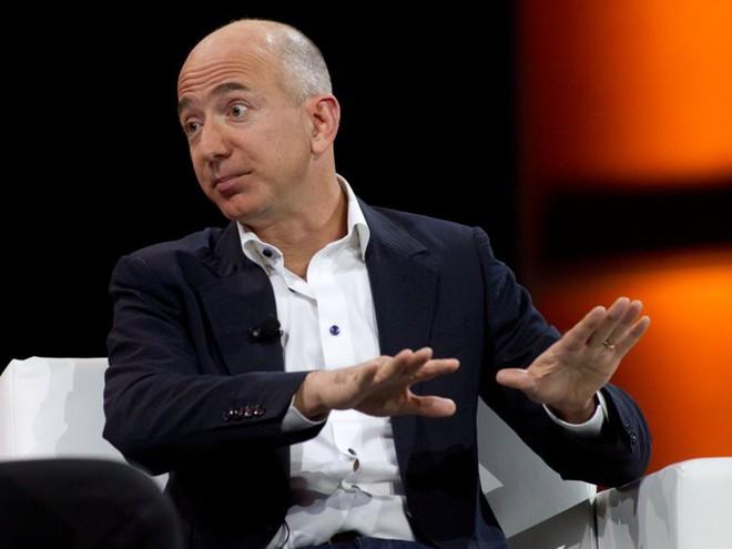 Đằng sau cuộc tình rửa bát cho vợ 25 năm vẫn ly hôn của tỷ phú giàu nhất thế giới Jeff Bezos - Ảnh 10.