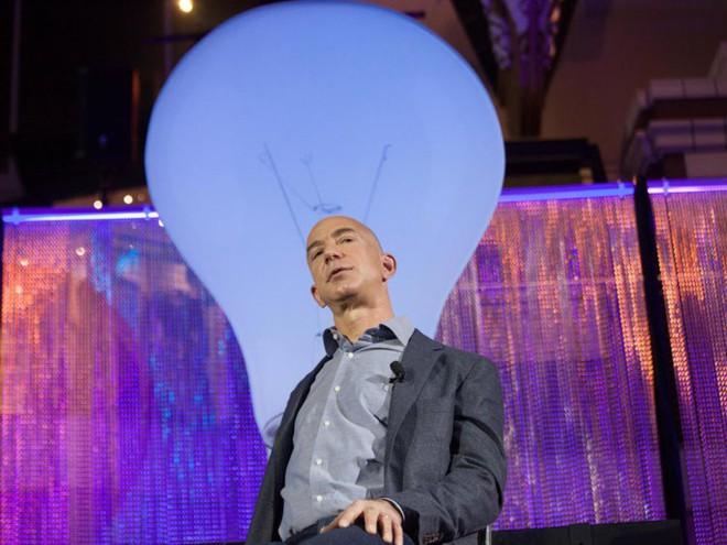 Đằng sau cuộc tình rửa bát cho vợ 25 năm vẫn ly hôn của tỷ phú giàu nhất thế giới Jeff Bezos - Ảnh 14.
