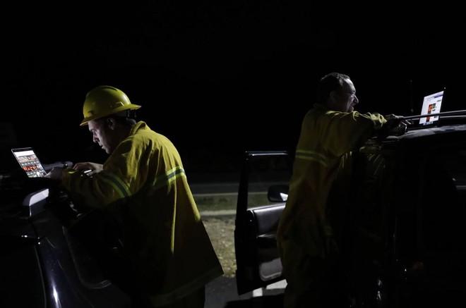 Tình bạn thử lửa: Những nhiếp ảnh gia nơi tiền tuyến địa ngục lửa - Ảnh 21.