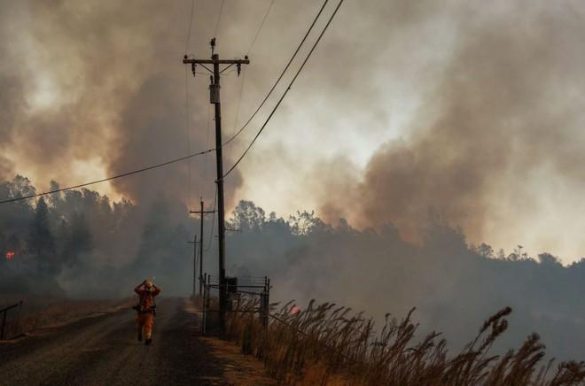 Tình bạn thử lửa: Những nhiếp ảnh gia nơi tiền tuyến địa ngục lửa - Ảnh 27.