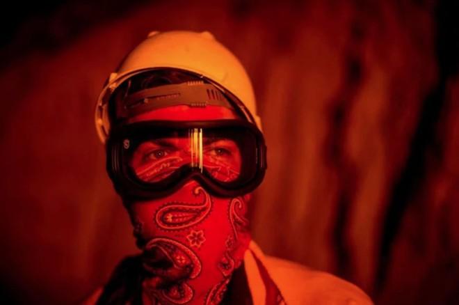 Tình bạn thử lửa: Những nhiếp ảnh gia nơi tiền tuyến địa ngục lửa - Ảnh 28.