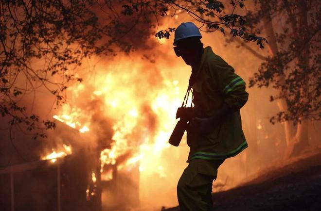 Tình bạn thử lửa: Những nhiếp ảnh gia nơi tiền tuyến địa ngục lửa - Ảnh 29.