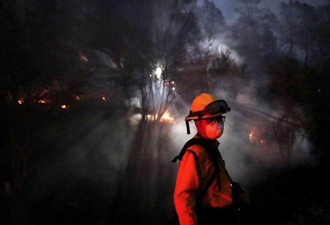 Tình bạn thử lửa: Những nhiếp ảnh gia nơi tiền tuyến địa ngục lửa - Ảnh 30.