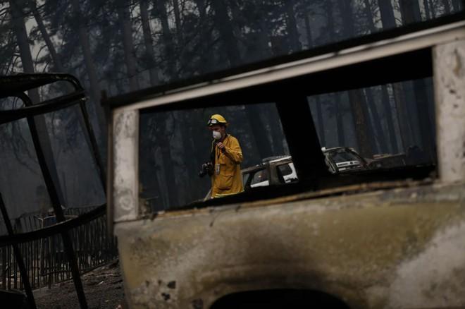 Tình bạn thử lửa: Những nhiếp ảnh gia nơi tiền tuyến địa ngục lửa - Ảnh 38.