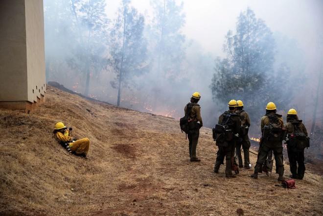 Tình bạn thử lửa: Những nhiếp ảnh gia nơi tiền tuyến địa ngục lửa - Ảnh 42.