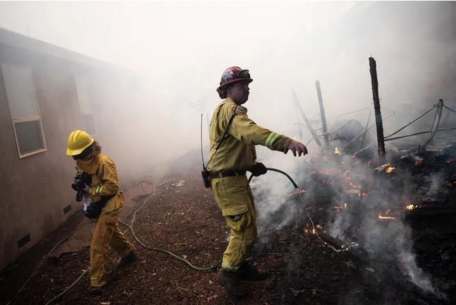 Tình bạn thử lửa: Những nhiếp ảnh gia nơi tiền tuyến địa ngục lửa - Ảnh 44.