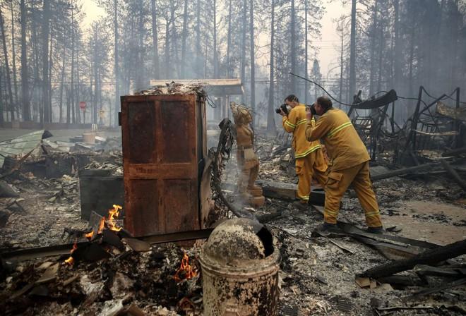 Tình bạn thử lửa: Những nhiếp ảnh gia nơi tiền tuyến địa ngục lửa - Ảnh 12.