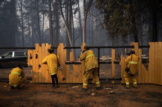 Tình bạn thử lửa: Những nhiếp ảnh gia nơi tiền tuyến địa ngục lửa - Ảnh 15.