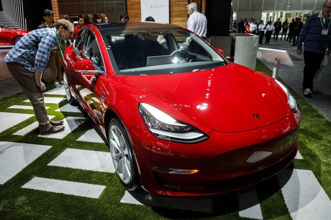 Tesla sẽ tặng một chiếc Model 3 cho ai hack được chiếc xe này - Ảnh 1.
