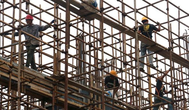 Người lao động Trung Quốc có thể được nghỉ 2,5 ngày/tuần để đi mua sắm - Ảnh 1.