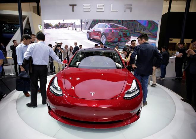 Tesla sẽ tặng một chiếc Model 3 cho ai hack được chiếc xe này - Ảnh 2.