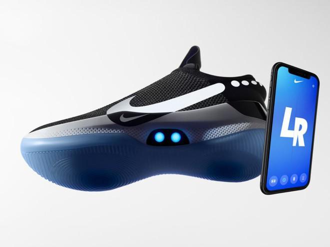 Nike ra mắt mẫu giày tự thắt dây mới, sạc không dây, điều khiển bằng ứng dụng smartphone và rẻ bằng 1/2 HyperAdapt 1.0 - Ảnh 2.