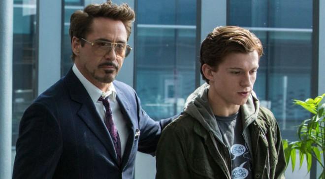 Fan Marvel lo lắng cho số phận của Iron Man sau khi trailer Spider-Man: Far From Home lên sóng - Ảnh 1.
