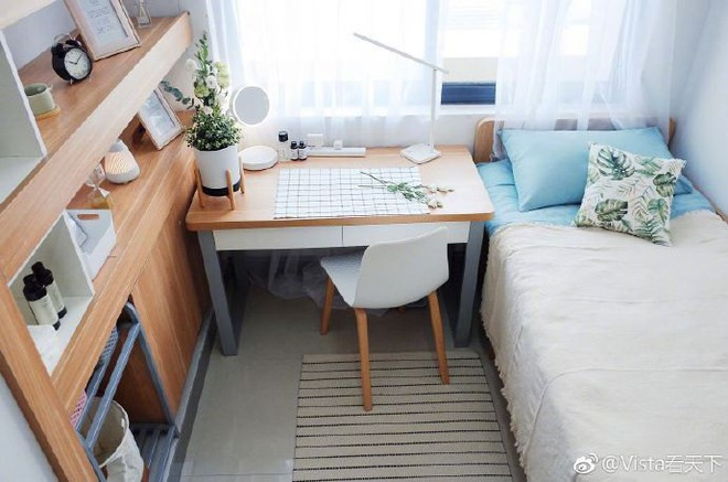 Màn cải tạo ký túc xá đỉnh cao từ ổ chuột thành phòng khách sạn với phong cách tối giản tuyệt đối - Ảnh 1.
