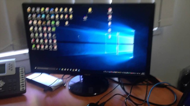 YouTuber chế tạo laptop 2 màn hình cực kỳ độc đáo, nhìn thôi đã yêu - Ảnh 3.
