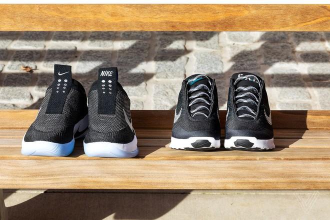 Trên tay giày tự thắt dây, điều khiển bằng ứng dụng di động của Nike - Ảnh 10.