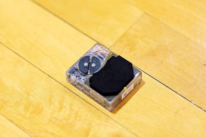 Trên tay giày tự thắt dây, điều khiển bằng ứng dụng di động của Nike - Ảnh 3.