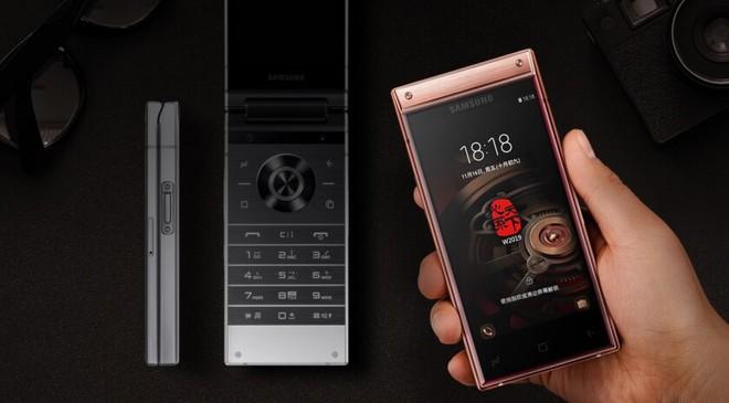 Chính dòng điện thoại nắp gập xa xỉ của Samsung đã mở đường cho smartphone màn hình gập Galaxy F - Ảnh 4.