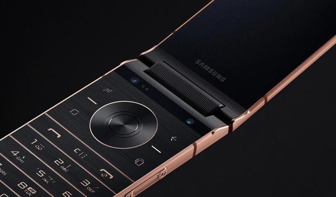 Chính dòng điện thoại nắp gập xa xỉ của Samsung đã mở đường cho smartphone màn hình gập Galaxy F - Ảnh 6.