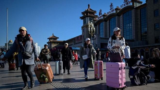 """Trung Quốc bắt đầu cuộc """"xuân vận"""": Ước tính có 3 tỷ chuyến đi trong vòng 40 ngày tới để về nhà ăn Tết - Ảnh 13."""
