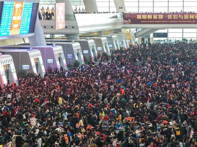 """Trung Quốc bắt đầu cuộc """"xuân vận"""": Ước tính có 3 tỷ chuyến đi trong vòng 40 ngày tới để về nhà ăn Tết - Ảnh 1."""