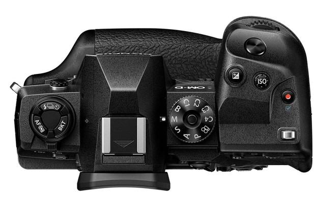 Olympus công bố máy ảnh OM-D E-M1X: cảm biến Micro 4/3, grip gắn liền, cạnh tranh với Full-frame - Ảnh 3.