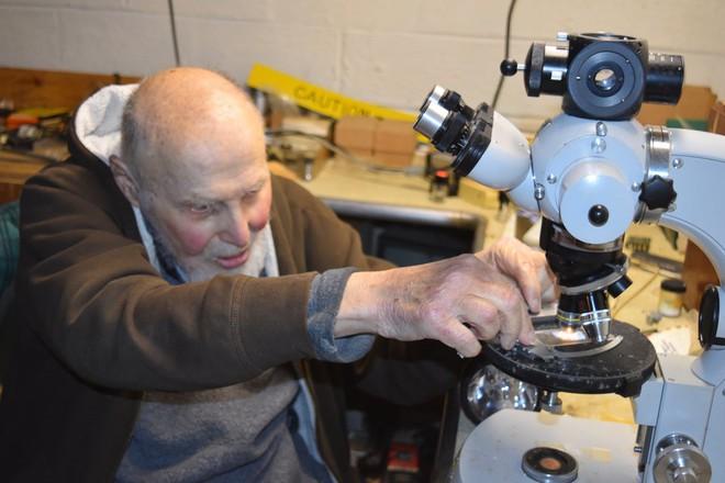 Cụ Arthur Ashkin, người giành giải Nobel cao tuổi nhất thế giới đang phát triển công nghệ năng lượng rẻ như đất và cực sạch - Ảnh 4.