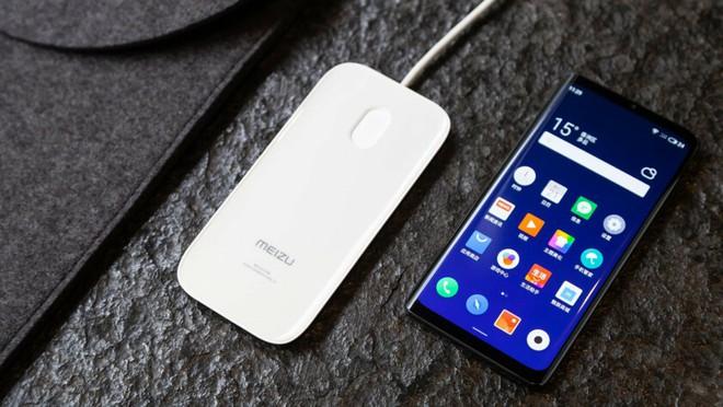 Smartphone không nút, không cổng kết nối có thể không lố như chúng ta nghĩ - Ảnh 1.