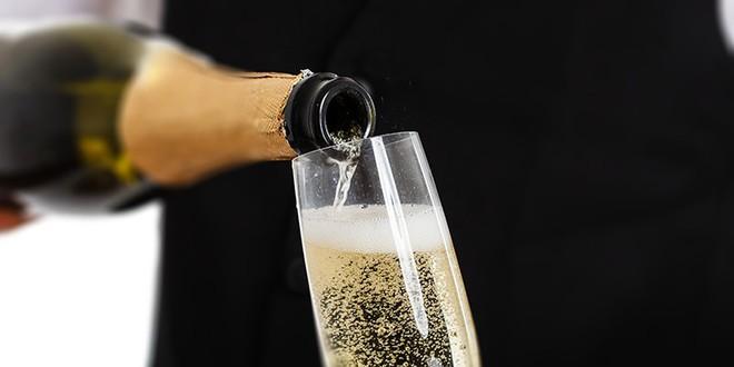 Tại sao mọi người thích uống sâm panh để ăn mừng năm mới - Ảnh 3.