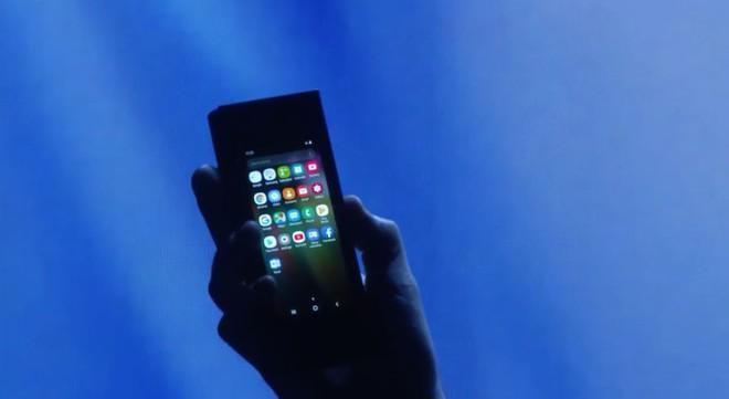 Samsung bắt đầu phát triển bản firmware quốc tế cho smartphone màn hình gập - Ảnh 1.