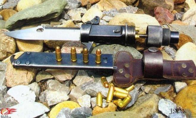 Xem đặc nhiệm Trung Quốc phô diễn vũ khí cây nhà lá vườn: súng tự bẻ nòng để bắn cho an toàn - Ảnh 3.