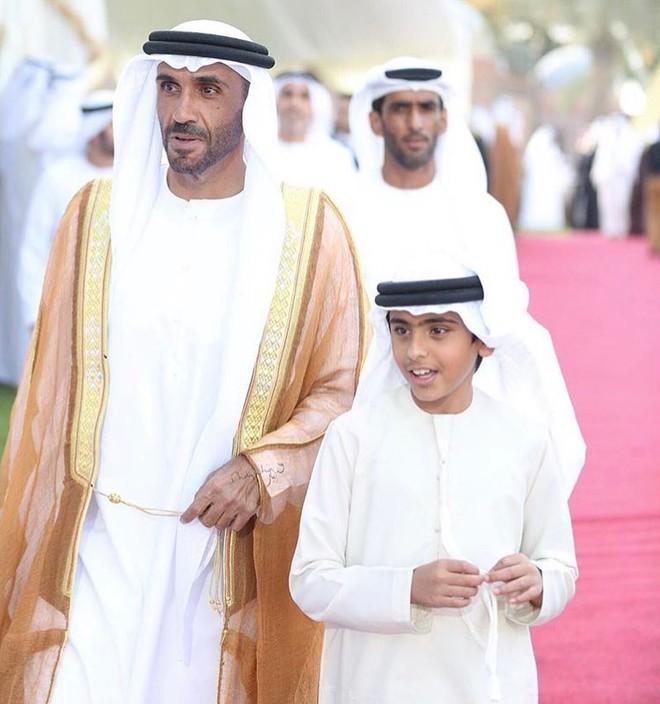 Hoàng tử UAE mua sạch vé, không cho dân Qatar vào xem bán kết Asian Cup quyền lực đến mức nào? - Ảnh 15.