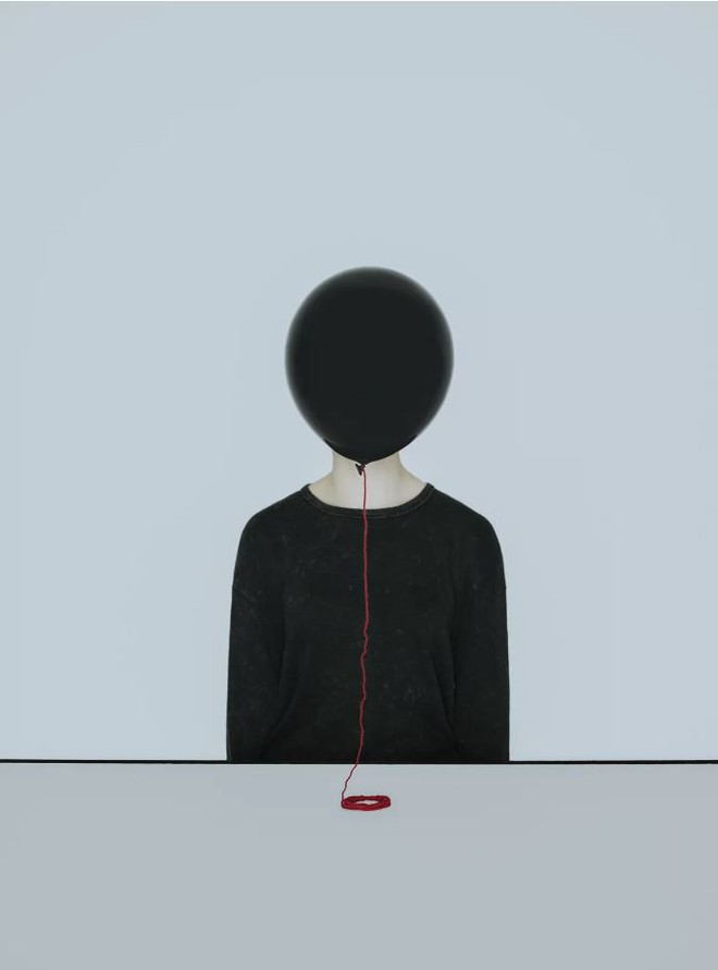 Nhìn cuộc đời qua con mắt của người trầm cảm với bộ ảnh siêu thực từ nghệ sĩ Gabriel Isak - Ảnh 12.