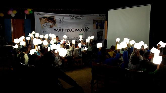 Ngôi trường mới và 1000 đèn năng lượng mặt trời thắp sáng hi vọng tương lai cho trẻ em vùng cao Tri Lễ - Ảnh 5.