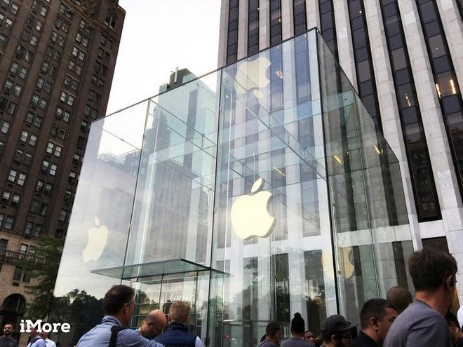 """Ngân hàng uy tín Goldman Sachs cho rằng nếu tình trạng này tiếp diễn, Apple có thể là """"Nokia tiếp theo"""" - Ảnh 1."""
