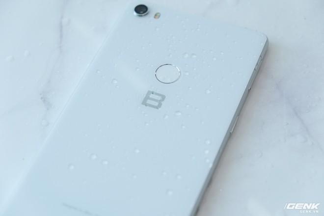 So sánh Vsmart Active 1 và Bphone 3: Smartphone Việt nào đáng mua hơn? - Ảnh 16.